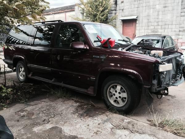 $750, Soon to be Crushed... - 1995 Chevy Suburban - Whole or PARTS