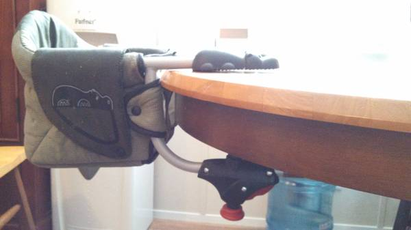 Chicco Highchair Hippo Travel Seat Hook Chair - $20 (Maud)
