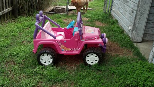 Power Wheels Barbie Jeep - $225 (Prescott )