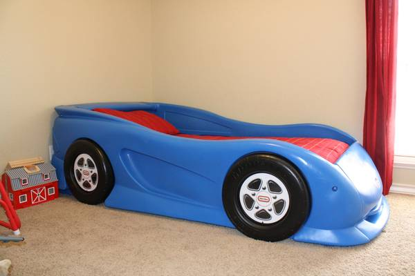 Little Tikes Race Car Bed Twin Blue - $150 (Texarkana)