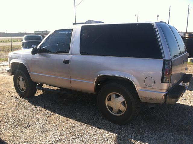 $2,950, 99 Chevy Tahoe 4x4, 2 door, 178k miles, clean title