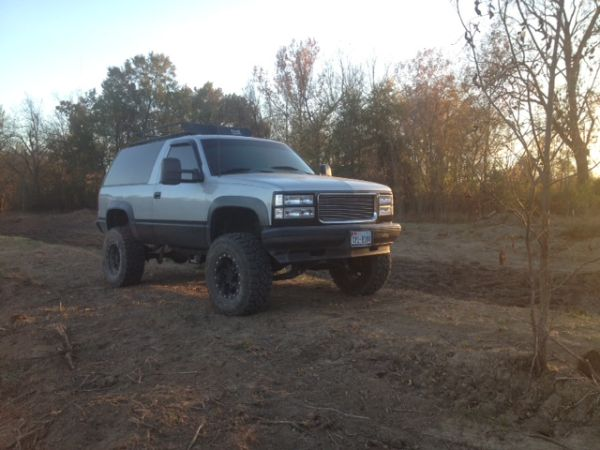 1995 Chevy Tahoe 2 Door 4x4 - $6000 (Paris, TX)