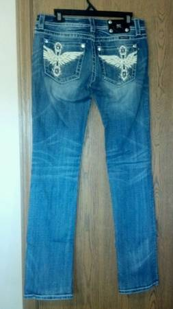 Miss Me jeans like new size 29 - $55 (Texarkana )