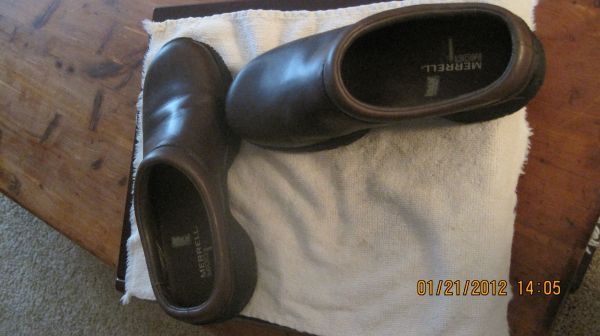 LadiesGirls Merrell Brown Leather Shoes - $15 (Texarkana)