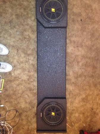 2 10 kicker solo bardic with pro box for extended truck - $225 (Texarkana)