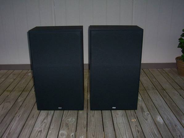 KLH Floor Speakers  Pair - $150 (De Queen AR)