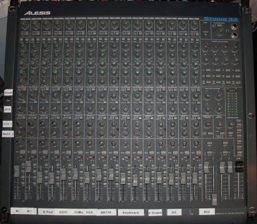 Alesis Studio 32 Mixer - $175 (Texarkana, Arkansas)