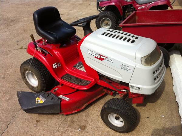Huskee Supreme SLT 4600 Lawn Tractor Mower - $750 (Ashdown)