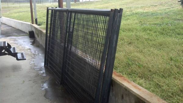 4 Priefert Dog Kennel panels  - $200 (Mt Pleasant, TX)