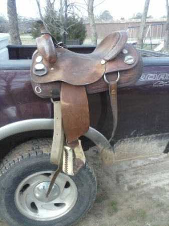 Saddle for sale - $600 (Mt Pleasant)