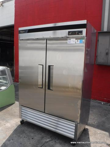 1  NEW TURBO AIR DELUXE stainless steel two door refgrigerator  restaurant equipment