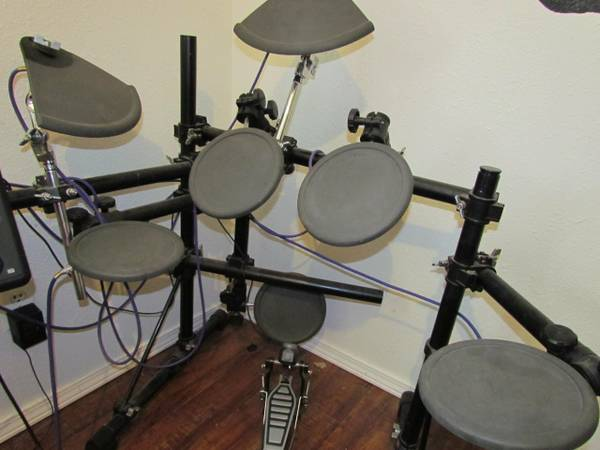 Yamaha Electric Drums - $350 (Mena)