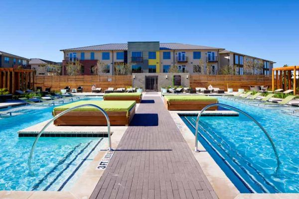 -  2450   2br - Legacy Shopping Center - Fully Furnished Apartment - All Bills Paid  Plano