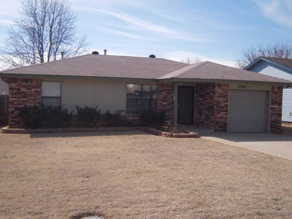 -  35 Stay-n-Save in OKC  FAA Corp Vacationers short long term  W OKC   12304 W  Park Ave