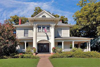 139  Corinthian Bed And Breakfast