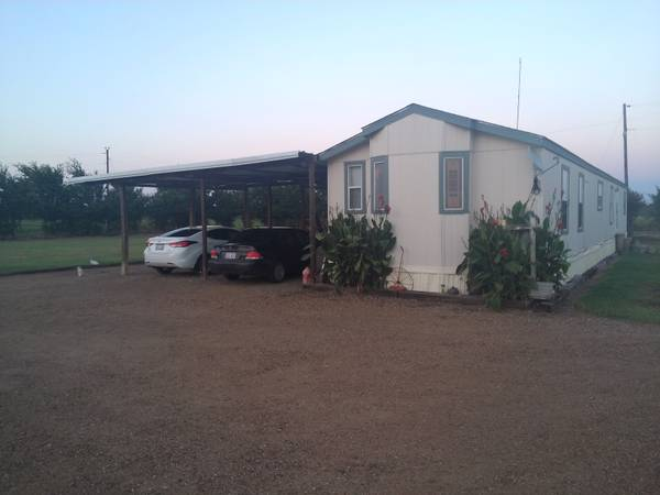 - $48500 3br - 1150ftsup2 - 32 Solitaire Mobil Home on 2 acres (12053 East FM 273, Telephone, TX)