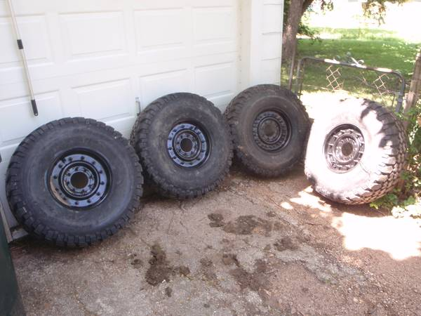 Humvee wheels and tires   -   x0024 3500