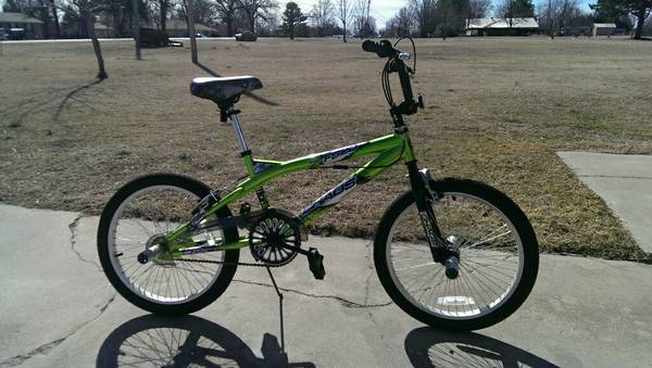 20 NEXT Chaos Boys BMX Stunt Freestyle Bike, Green - x002450 (Ada)