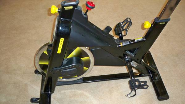 Livestrong Exercise Bike - Stationary -  550  Lake Kiowa