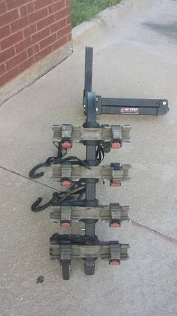 YAKIMA ROC n GATE BIKE RACK - $150 (DENTON)