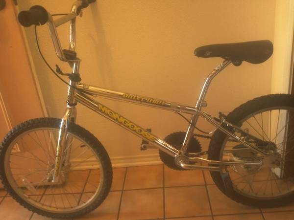 90S MONGOOSE OUTERLIMIT BMX BIke - $70 (watauga )