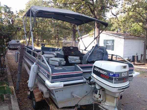 2220 lowe 22ft 120johnson drive on trailer - $3500 (kingston ok)