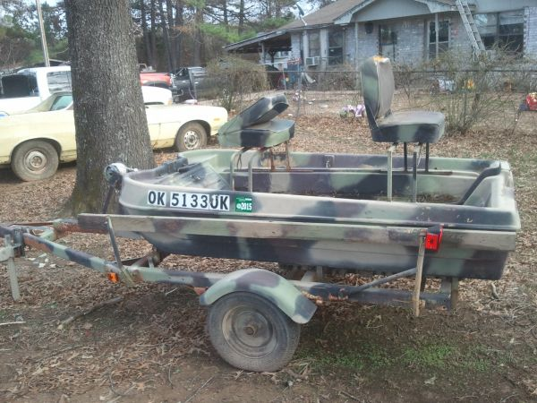 2 man bass boat 8ft with trailer - $400 (rattan oklahoma)