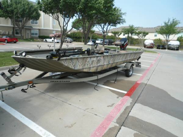 Fishing Bowfishing Duck Hunting Boat - $10500 (Plano)