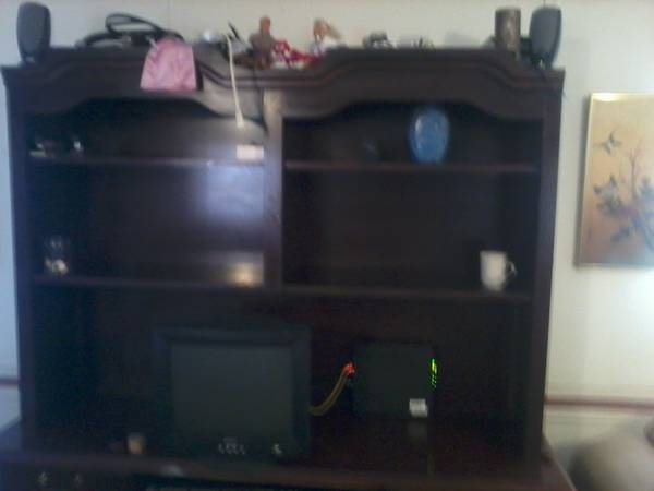 computer desk and hutch - $220 (ardmore)