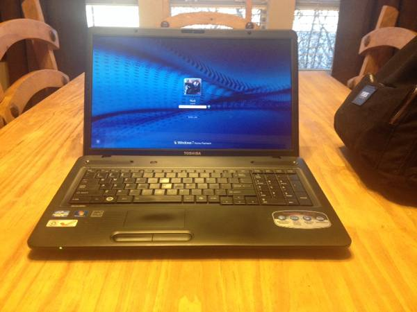 Toshiba C675 17 quot  Laptop -  Intel i3 Processor  500gb HD  4gb Ram  -   x0024 380  Pilot Point