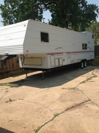 Truck terry toy hauler 34 ft Fifth wheel Travel trailer Perfect for Deer H - $15300 (South Garland tx )