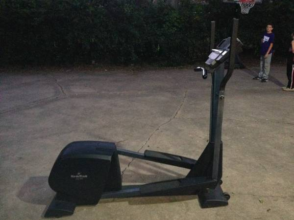NordicTrack CX 925 Elliptical - $50 (75418)