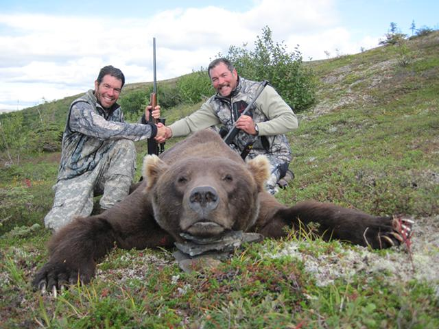 10 000  Alaska Brown Bear Hunt