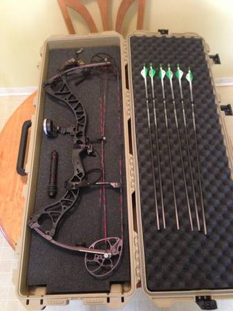 Bowtech Destroyer 350 - $900 (Gainesville )