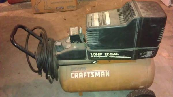 Sears Craftsman 1.5 20 Gal Air Compressor - $125 (Van Alstyne)