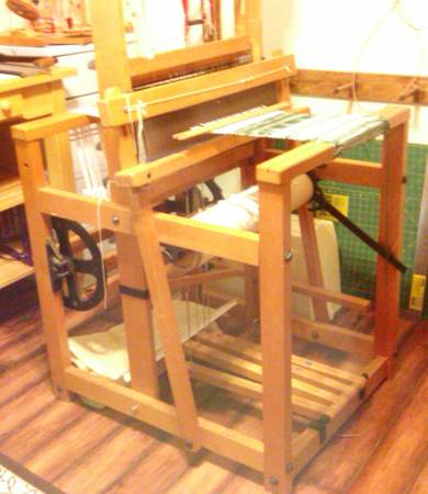 Counter-Balance Loom by J. L. Hammett - $300 (Tyler)