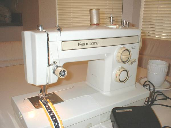KENMORE SEWING MACHINE - $150 (WATAUGA, TX 76148)