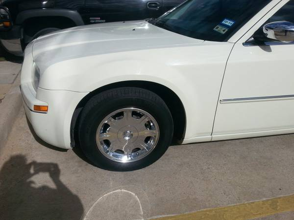 chrysler 300 tires and rims - $200 (Bonham, Tx)