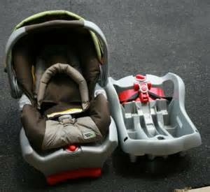 Graco Brown Carseat -   x0024 70  Durant