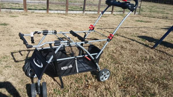GOT TWINS Double Snap-n-Go Stroller is a must  - $50 (Van Alstyne)