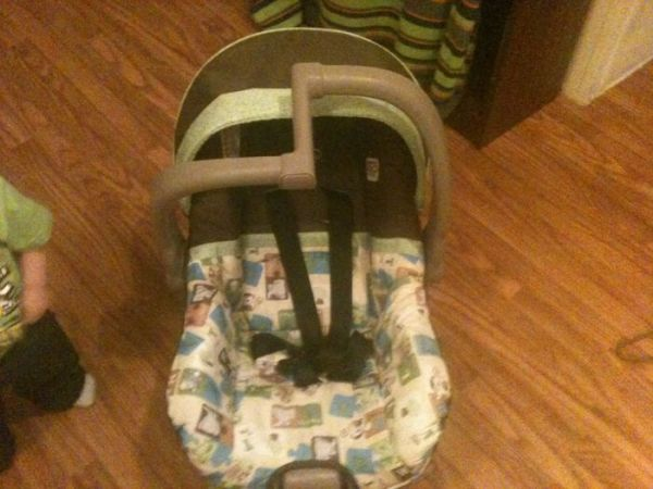 Infant evenflo discovery infant car seat with base - $50