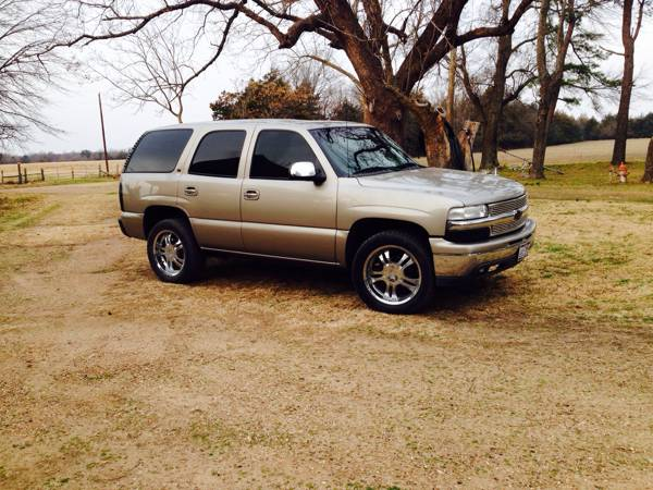 CLEAN Chevrolet Tahoe, Fully Loaded - x00245995 (Bonham, TX)
