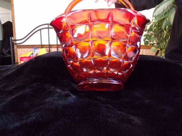 Garnet Red Rose Glass Basket -   x0024 120