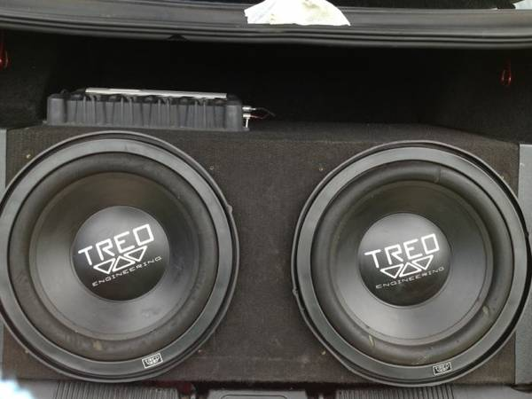 Treo subs800 watts kenwood - $175 (Ardmore area)