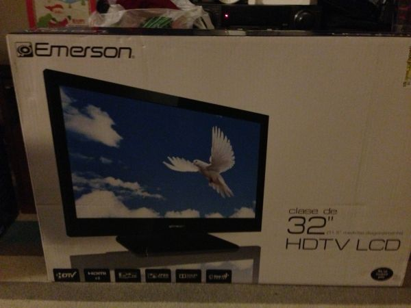 32 inch Emerson LCD HDTV 780p New in Box TV - $200 (Sherman)