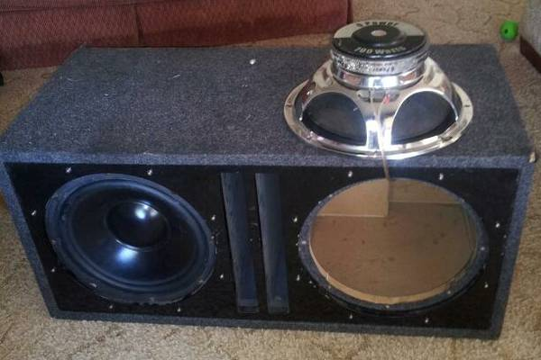 2 Q Power 12 subs in ported box - $175 (sherman)