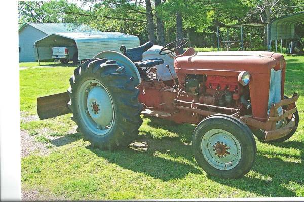 Ford Tractor 601 - $2500 (Kingston, OK)