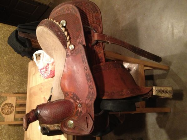 Saddle - $425 (Kingston)