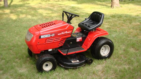 Huskee 16.5 HP - 42 Width - Riding Lawn Mower - $650 (Denison)