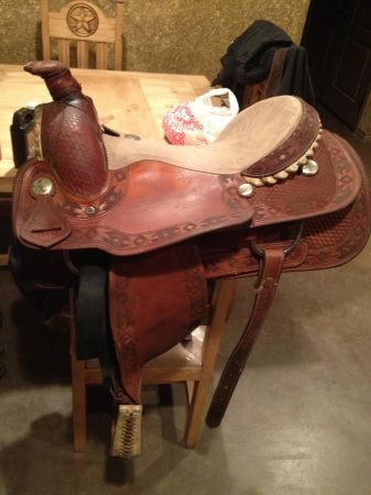 Roping saddle - $425 (Kingston)
